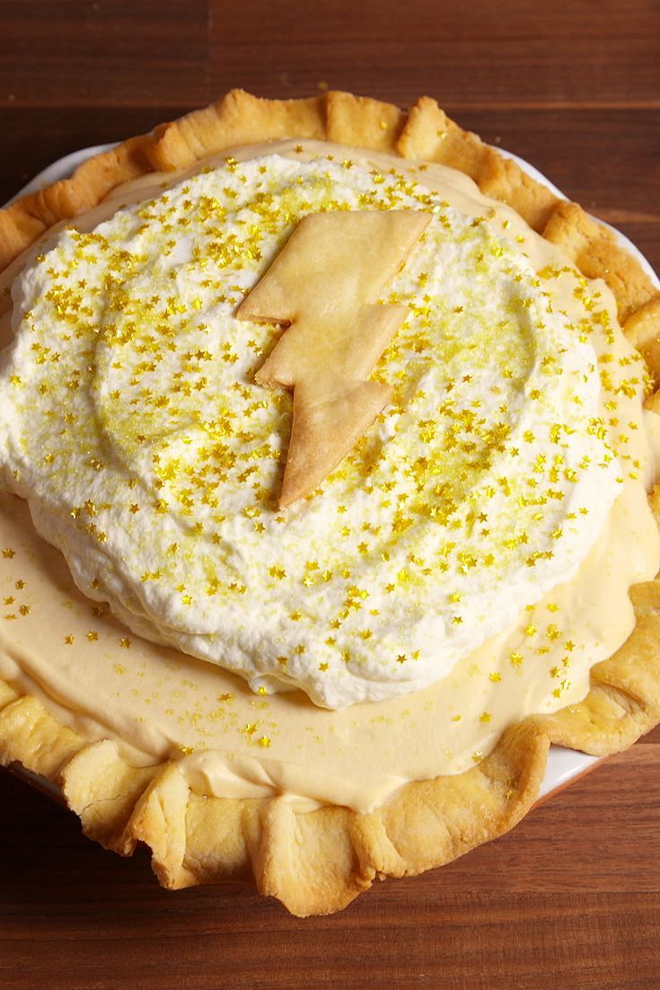 Get psyched for the return to the wizarding world with this Butterbeer Pie #recipe  #HarryPotter #FantasticBeasts