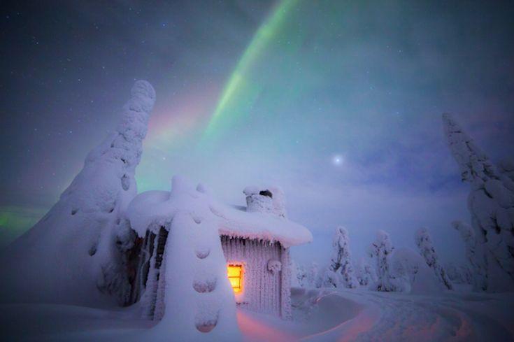 L'Hiver en Finlande sous les Aurores boréales est magique (1)