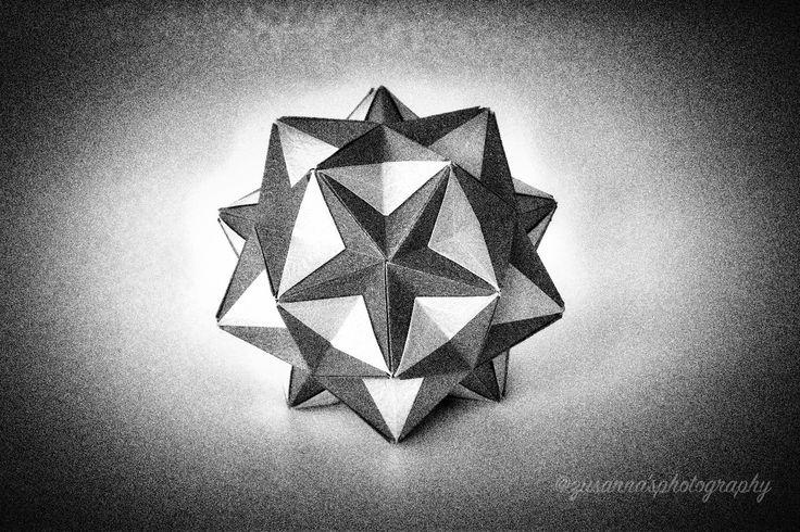 Origami Kusudama Designer #TomokoFuse Folded by #zusannascraft Photo by #zusannasphotography  #kusudama #origami_art  #myfolding #handmade