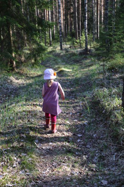 Oma kaunis tyttöni metsässä // My pretty little girl in the forest