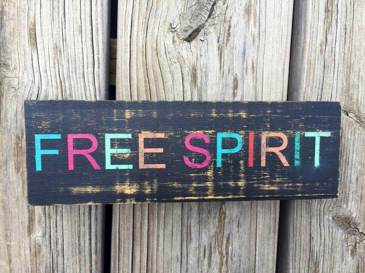 Free Spirit Sign, Boho Dorm Decor, Gypsy Decor, Apartment Decor, Teen Room Decor, Bohemian Decor, Hippie Decor - pinned by pin4etsy.com