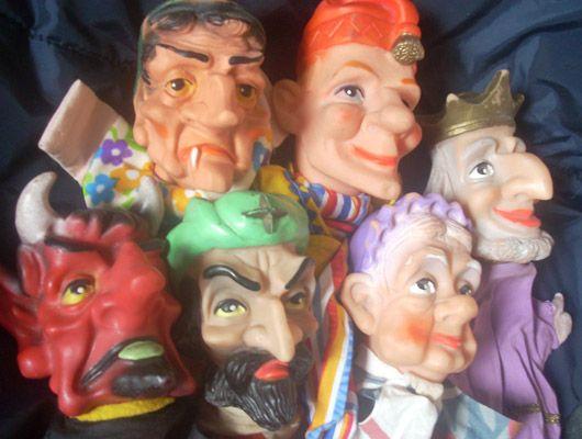 Poppenkastpoppen - Poppenserie met grote neuzen. Mooie koning ook. Kasperle Puppen, Hand puppets, kukiełki, titella, marionetas, lutke, titelles.