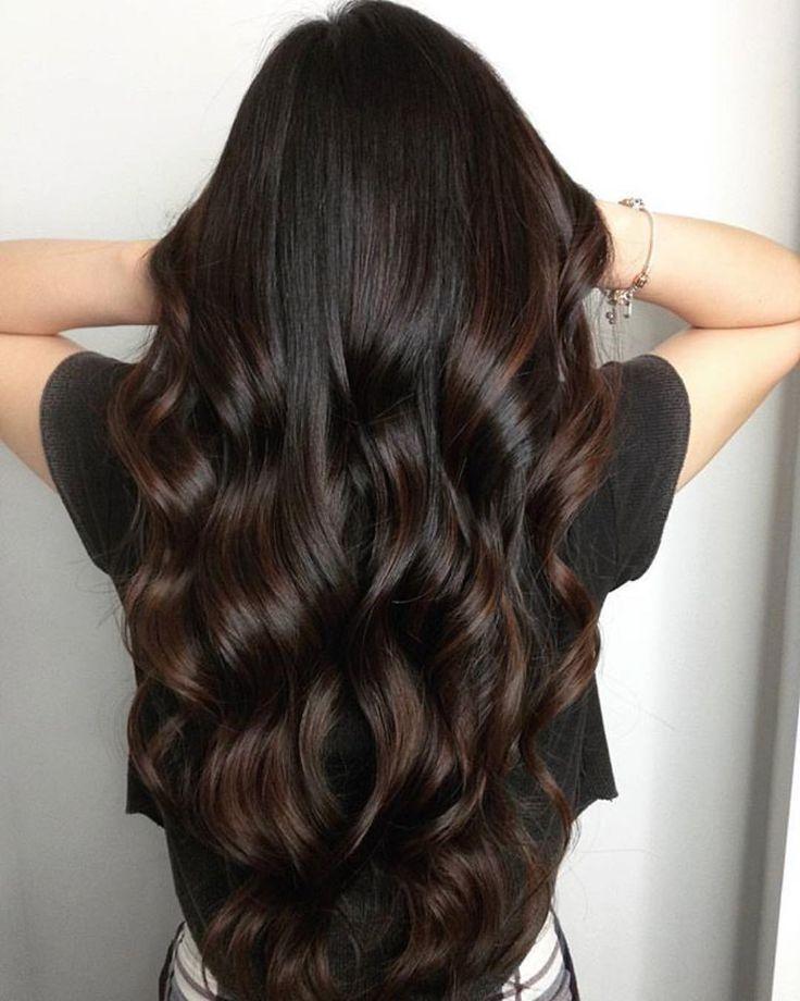 TIPP DIENSTAG: b3 lässt sich hervorragend in Ihren Glanz und Toner einfügen. Es wird so einen Unterschied machen! Die Haare Ihrer Kunden sehen glänzend aus und fühlen sich an, und b3 hilft, den Toner und / oder den Glanz einzuschließen. Versuch es! Sie werden nicht enttäuscht sein. Schöne reiche Brünette von @colorbyjp mit b3 #Repost @colorbyjp ・ ・ ・ Sonnengeküsste Haare für mein Geburtstagskind! XO #balayage #paintedhair #dimensions #hairdid #curls #birthdaygirl #behindthechair #torontohair #c