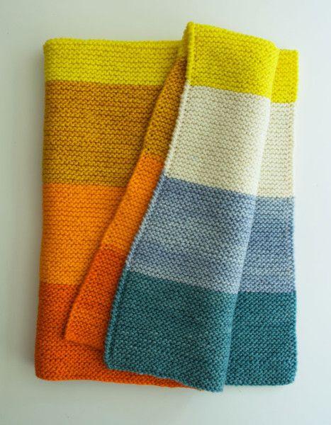 Si os queréis iniciar con el tricot este puede ser un buen punto de partida, por su simplicidad, además, es tan bonito que os dará alas. Es de Purl Bee. Como veis, la combinación de colores es fantá