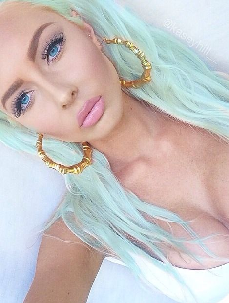 beauty inspiration alternative hair color lashes makeup pastel