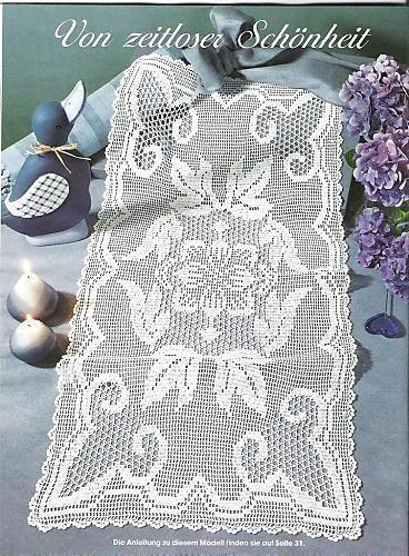 Läufer mit Blättmuster - Filet crochet table runner -Pattern: http://www.pinterest.com/pin/374291419005220092/
