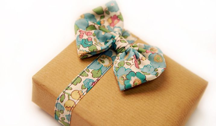 Make your own Liberty print wrapping