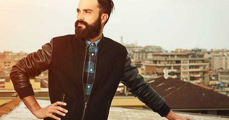 """12 Estilos de roupa de inverno para homens. É um desafio para os homens escolher um estilo bacana com tantas opções de roupas no mercado. Tudo complica ainda mais se eles não foram """"abençoados"""" com o gene da moda. Mas para ninguém ficar perdido e sem saber o que vestir no inverno, vamos usar os homens mais elegantes como inspiração. Eles ..."""
