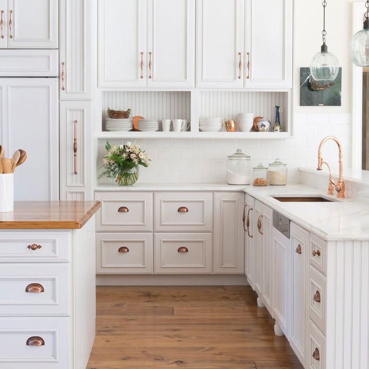 TREND ALERT! Copper is making a comeback in today's #kitchen designs! Design by Jenny Rausch of Karr Bick Kitchens and Baths @KarrBick. Photography by Studio 10Seven. #trends #kitchentrends
