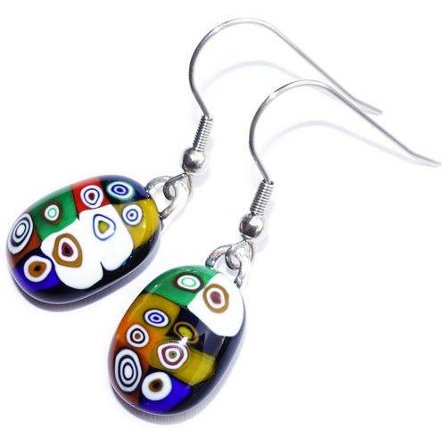 Zwarte glazen oorbellen met multicolor millefiori cirkels in het glas! Exclusieve glasfusing oorbellen uit eigen atelier. Glazen sieraden uit eigen atelier.