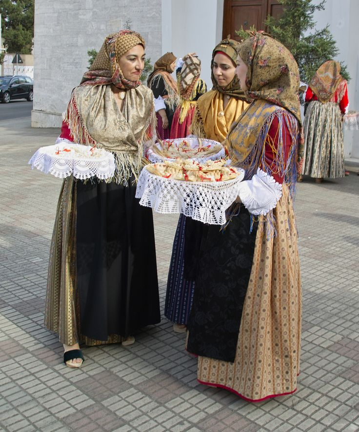 "Sardegna Sagra di Sant'Antioco Processione religiosa de ""Is Coccois""     #TuscanyAgriturismoGiratola"