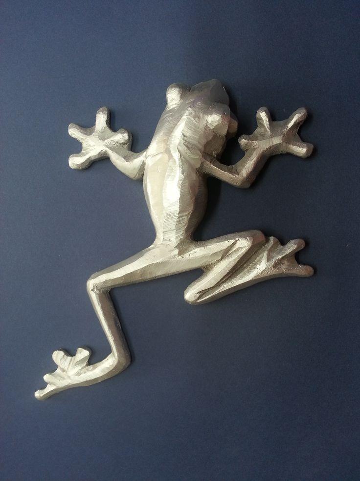 Figura realizada en fundición directa, de aluminio. Pieza única. www.eliasalvarez.com