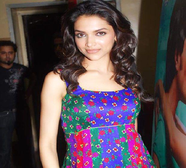 Actress Deepika-Padukone-Biography-Feet_Pics-Anu Movies ...