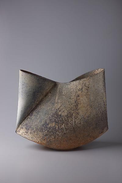 Sodeisha, a Japanese ceramic movement, was est. in 1948