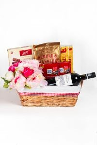 Chocolates and Wine Hamper  #floralgaragesg #decoration #parties #love #couple #weddingday #occasions #homedecor #lifestyle #lol #inspiration #roses #bookey #flowers #nature #happybirthday #birthday #prettiness #happyme #traveldiaries #Singapore #bouquets