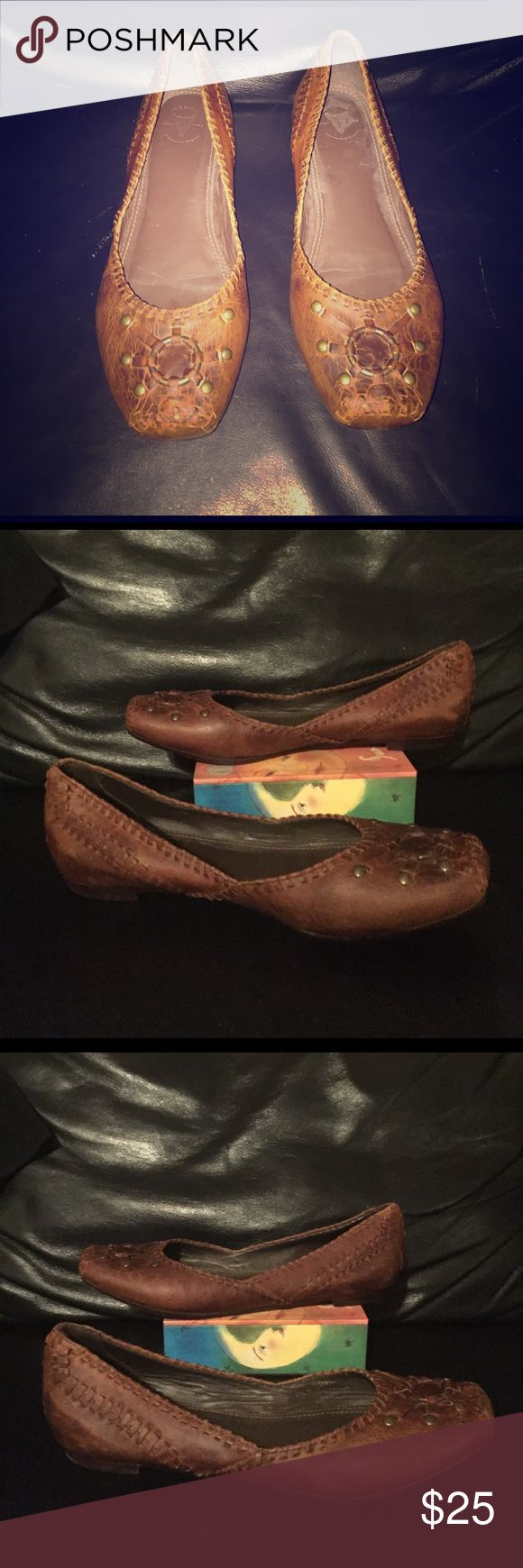 Vintage FRYE Brown Leather Marry Janes Sz 6.5B For your consideration is a vintage FRYE brown leather Marry Jane shoe Sz 6.5B. Shoe is hide leather with leather strap accents throughout and metal ring/stud accents at front. Shoe feature leather padded insole, leather lining and leather heel/sole. Shoe leather has has a nice weathered/distressed look. Message with questions and thanks for stopping by. Frye Shoes Flats & Loafers