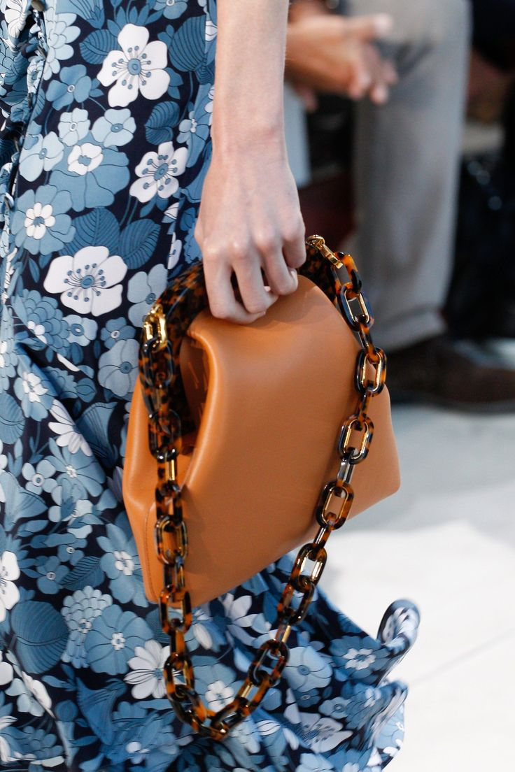 See detail photos for Michael Kors Collection Spring 2017 Ready-to-Wear collection.