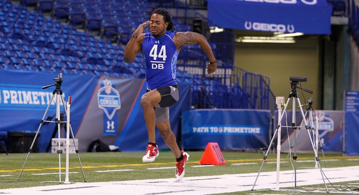 Seahawks defenders Michael Bennett and Richard Sherman, as well as former Seattle wideout Nate Burleson, rehash their own experiences at the NFL Combine.
