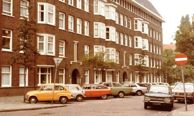 O.a. 600 & GS X & 242 & NSU 1000 & Chrysler 180 | Sloestraat 1978 beeldbank.amsterdam.nl