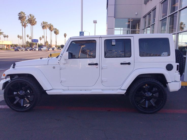 2015 All white Jeep Wrangler Unlimited Sahara.  So sick!