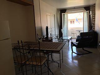 CLAIR-LUMINEUX-PROPRE-+2+pièces+avec+loggia-55m2-100m+plage-port-WIFI+-GARAGE++++Location de vacances à partir de Région de Marseille @homeaway! #vacation #rental #travel #homeaway