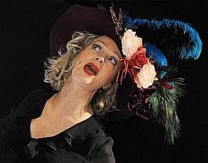 Anita Covelli - Chanteuse et comédienne.