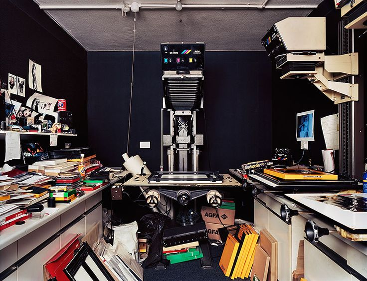 An amazing project documenting the last darkrooms in London, by photographer Richard Nicholson!
