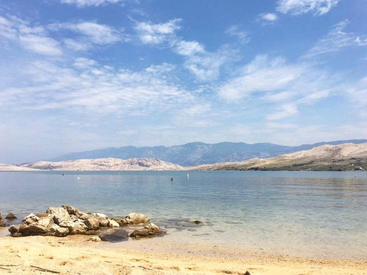 Just 200m from our apartments  #DiscoverPag #Cloudporn #BlueSky #PagIsland #Zadar_region #Islandofpag #IslandPag #RobinzonTours #PerfectPag #CroatiaFullOfLife #Croatia #Putopis #Travelgram #InstaTravel #Vacation #Holiday #Horizon #Horvátország #Kroatien #Croatie #Urlaub #UnlimitedCroatia #FamilyHoliday #FamilyVacation #Beautiful #Beach