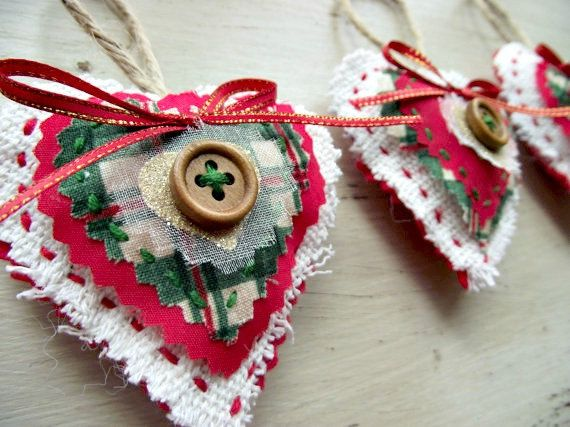 Traditional Christmas Decorations Scottish Tartan Red, Green, White Country Cottage Set of Three. £10.00, via Etsy.