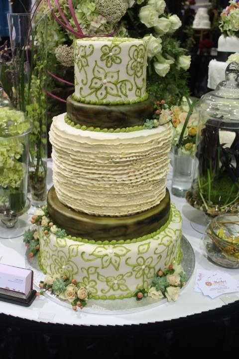 wedding cake by market street wedding expo