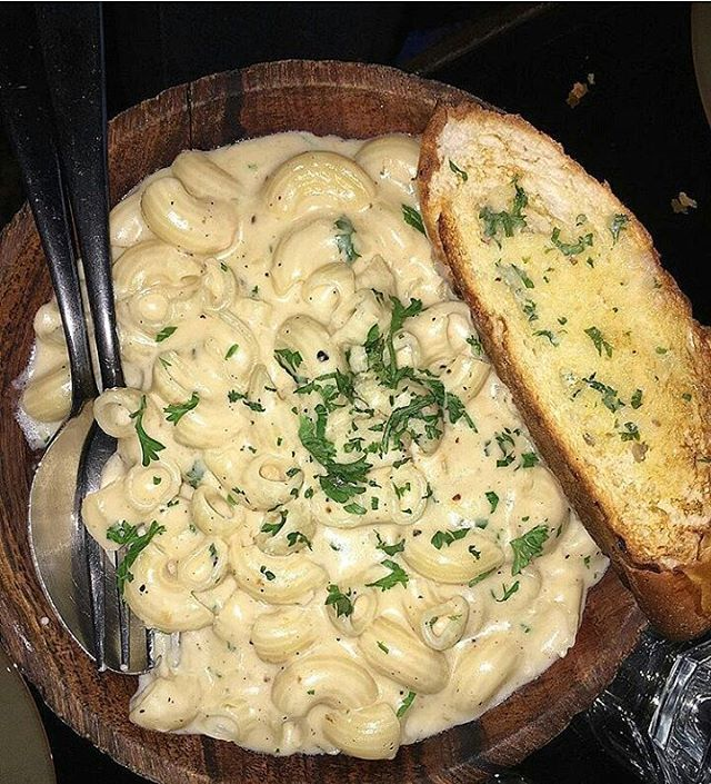 Today's top pick of @trellingfood . . Evening Scenes 😇 Mac And Cheese😋 Picture Courtesy :- @foodmastarni . Use #trelllingfood to get featured!