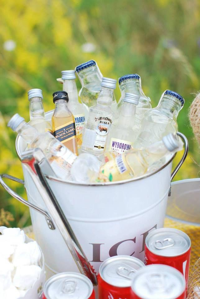 ice#cocacola#alkohole#słodkości#stół#dodatki#owoce#aranżacja#rustykalnie#sielsko#naturalnie
