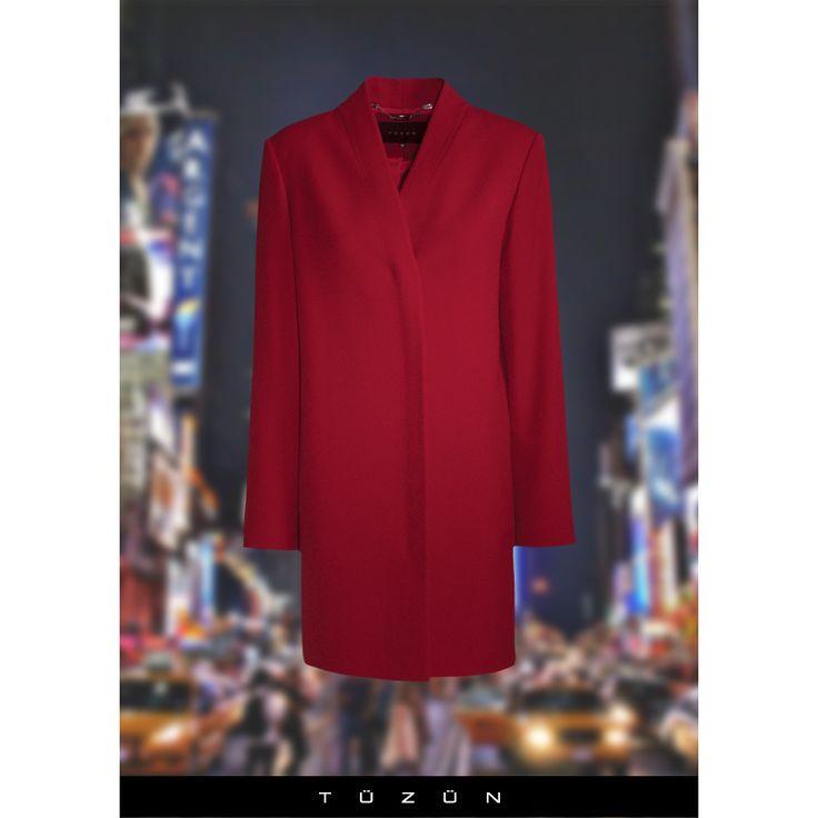 Hafta sonuna kırmızı yakışır... Sizin favori renginiz hangisi? #trend #fashion #moda #stil #style #kırmızı #palto