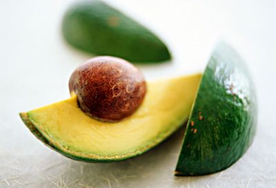 Flat Belly #Snack: 1/4 cup mashed #avocado + lime juice + salt & pepper. Serve with veggies. More ideas here!