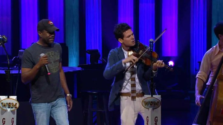 "Old Crow Medicine Show & Darius Rucker - ""Wagon Wheel"" Live at the Grande ol' Oprey"
