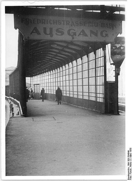 Superb  Bahnhof Friedrichstrasse U Bahn Ausgang