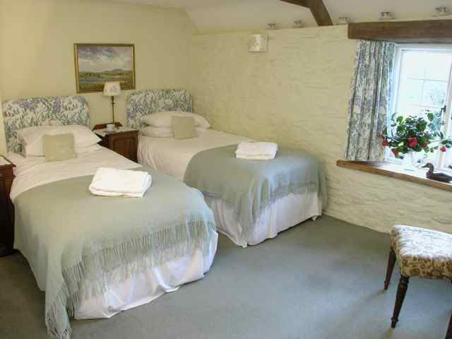 Country Cottage Bedrooms Model Property 138 best country cottage bedrooms images on pinterest | barefoot