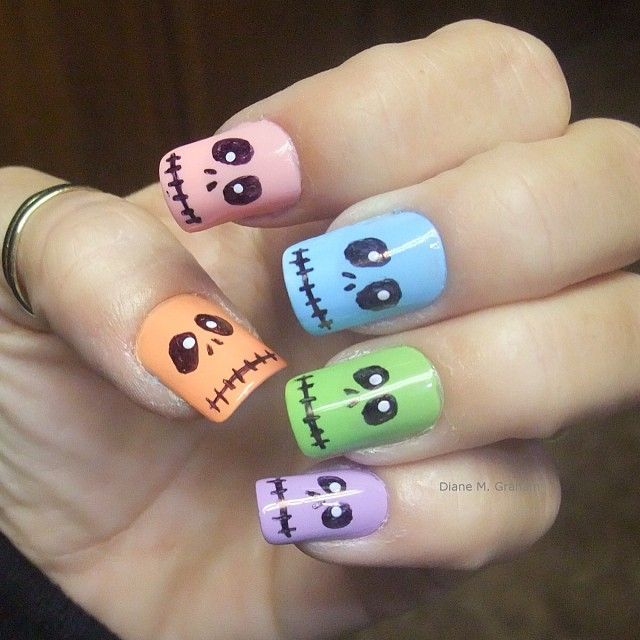 Cute Halloween-inspired nails - would you, wouldn't you? #halloween #nail art