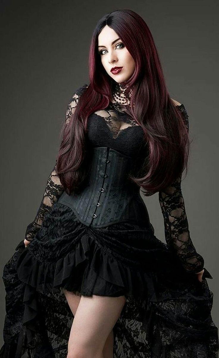 изящная готичная девушка фото обнаженная