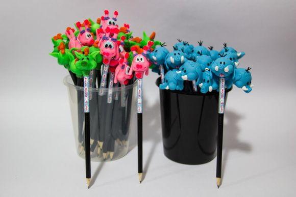 Lápis+com+ponteira+em+biscuit+Meu+Amigaozao,+co++adesivo+personalizado,+feito+sob+encomenda,+artesanalmente+e+com+muito+carinho.