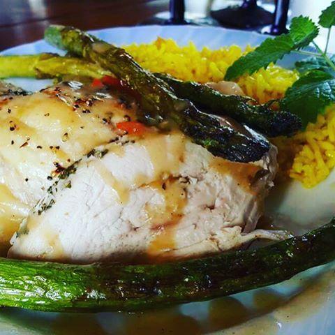 Helstekt kylling 🤗#helstektkylling #kylling#chicken #nydelig#matfrik.no#matfrik#hjemmelaget#asparges#homemade