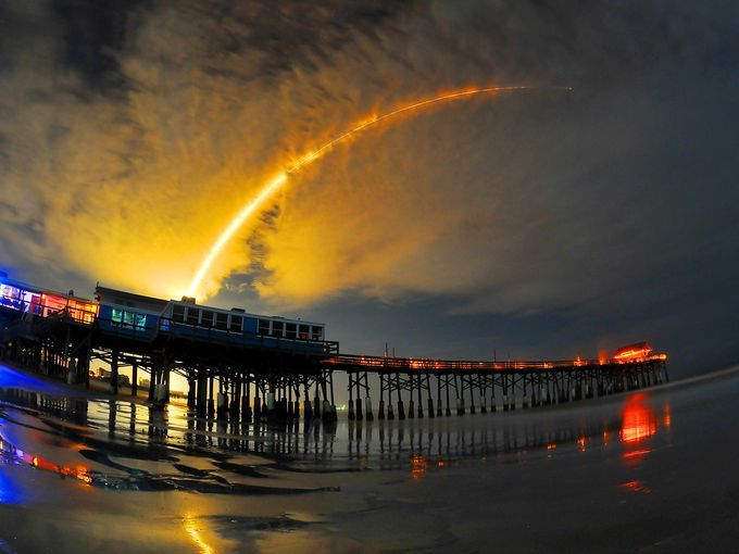 The launch as seen from the Cocoa Beach Pier.
