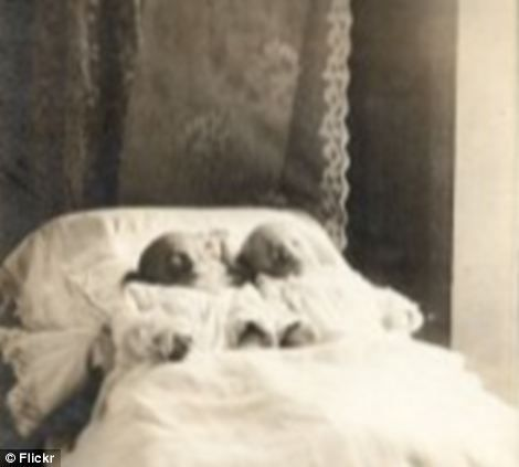 Haunting photographs of the dead taken in Victorian age ...