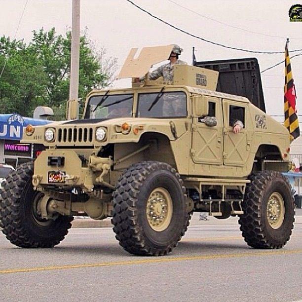 Massive Hummer H1                                                                                                                                                                                 Mais