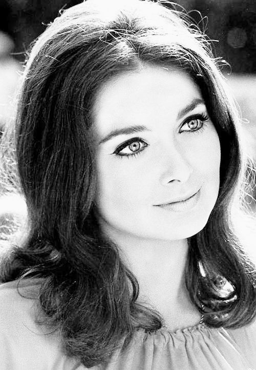 Suzanne Pleshette, 1969 via http://hollywoodlady.tumblr.com/
