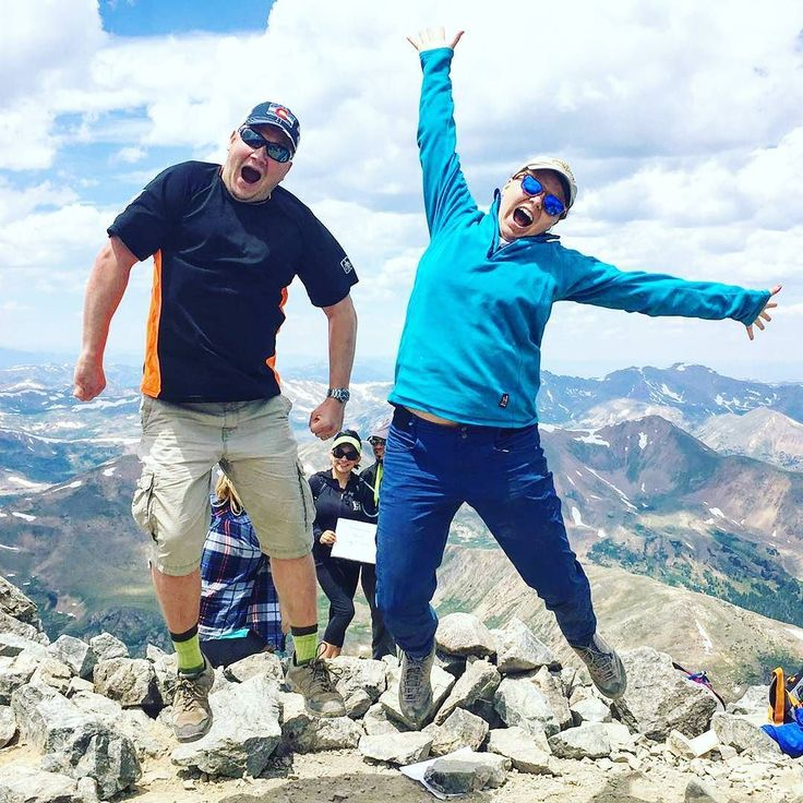 First Fourteener of the season! On top of 4350m (14275ft) high Torreys Peak - we made it!  Thanks to @jaylagough for the photo and company on the trip. Next few days I'll be posting views of Rocky Mountains!  #colorado #visitcolorado #coloradolive #cometolife #coloradoliving #hiking #patikointi #vaellus #mountaineering #vuorikiipeily #outdoors #elämääulkona #wildweekend #adventure #travel #matka #reissu #torreys #torreyspeak #graysandtorreys #14er #mountains #vuoret #fourteener (via…