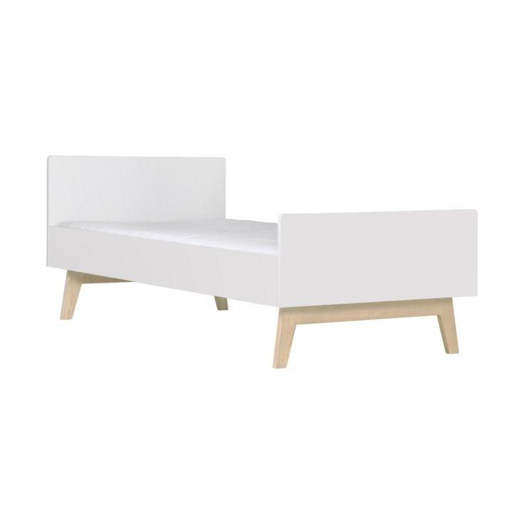Het Sixties Bed Wit Mat / Naturel 90 x 200 cm is gemaakt van hoogwaardig materiaal en net als rest uit deze serie uitgevoerd met iets uitstaande pootjes die kenmerkend zijn voor de stijl van de jaren '60.