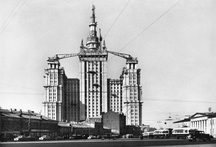 Продолжаем знакомиться с интересными фотографами. Наум Грановский, один из самый известный советских фотографов. Почти 60 лет!!! проработал фотокорреспондентом в…