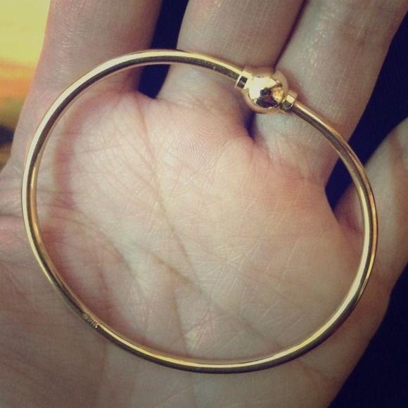 14k yellow gold Cape Cod bracelet Pure/solid 14k yellow gold Cape Cod bracelet. Excellent condition. 14k yellow gold Jewelry Bracelets
