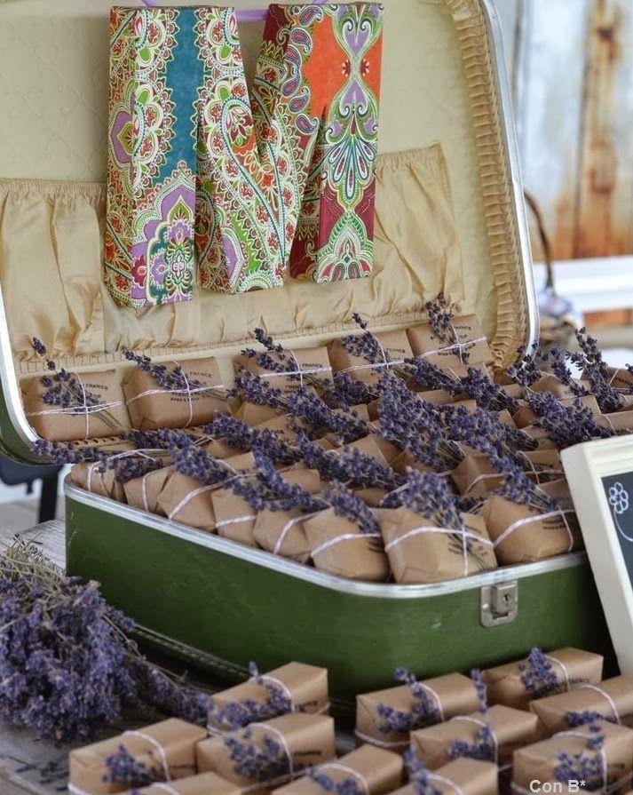 Regalitos para boda de jabón con lavanda en *Con B de Boda* http://conbdeboda.blogspot.com.es/2014/01/lavanda-para-tu-boda.html